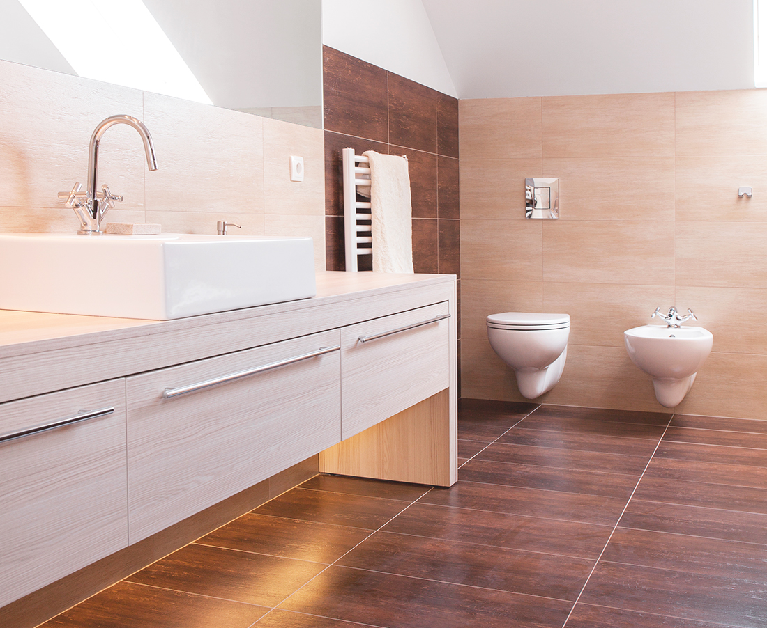 Qual piso escolher laminado vin lico ou porcelanato for Parquet laminado para banos y cocinas